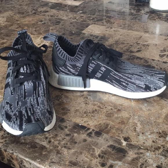 Le adidas impulso di scarpe da corsa poshmark